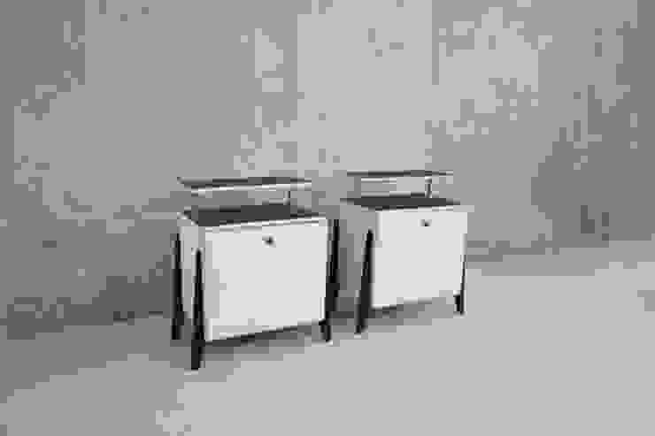 1960's bedside cabinets Proper. Camera da lettoComodini