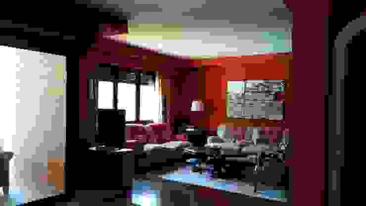 Гостиная в классическом стиле от DE DIEGO ZUAZO ARQUITECTOS Классический