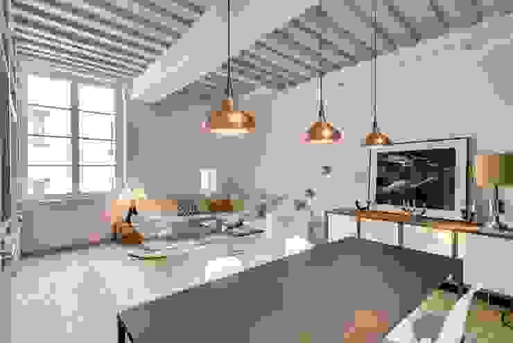 Appartement Paris Salle à manger industrielle par Meero Industriel