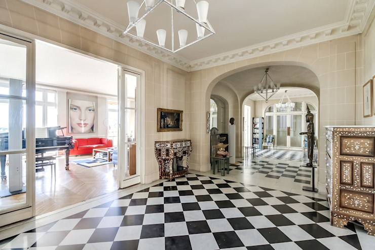Meero Modern Corridor, Hallway and Staircase