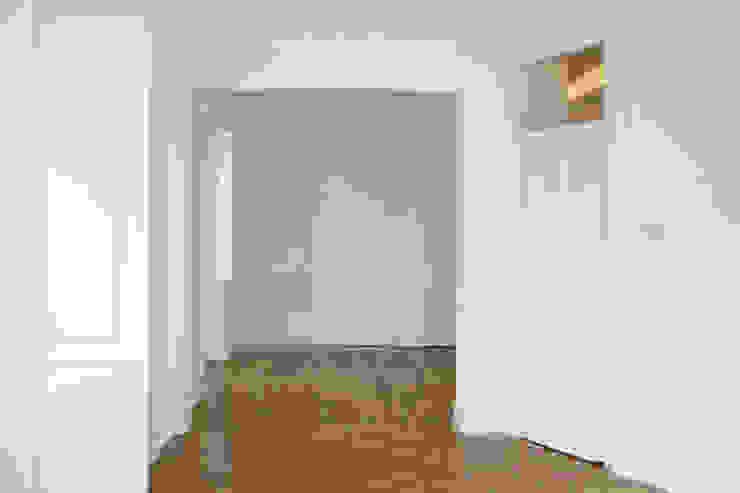 Apartamento em Lisboa Salas de estar clássicas por Archimais Clássico