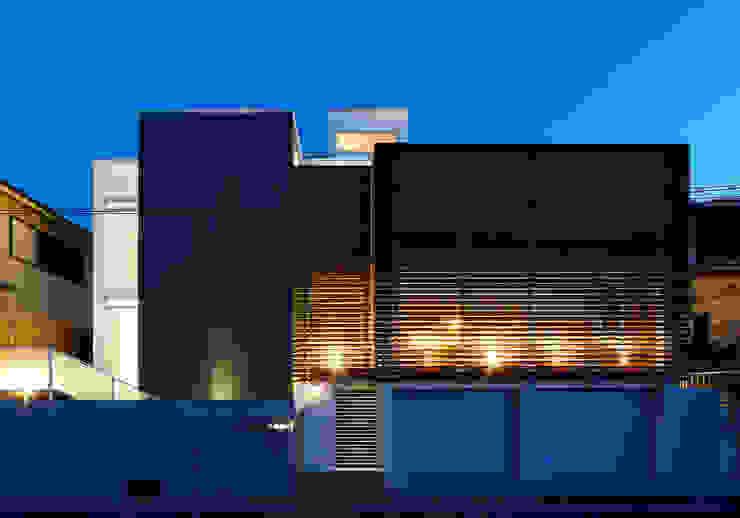 Casas de estilo  por 内田雅章建築設計事務所, Moderno