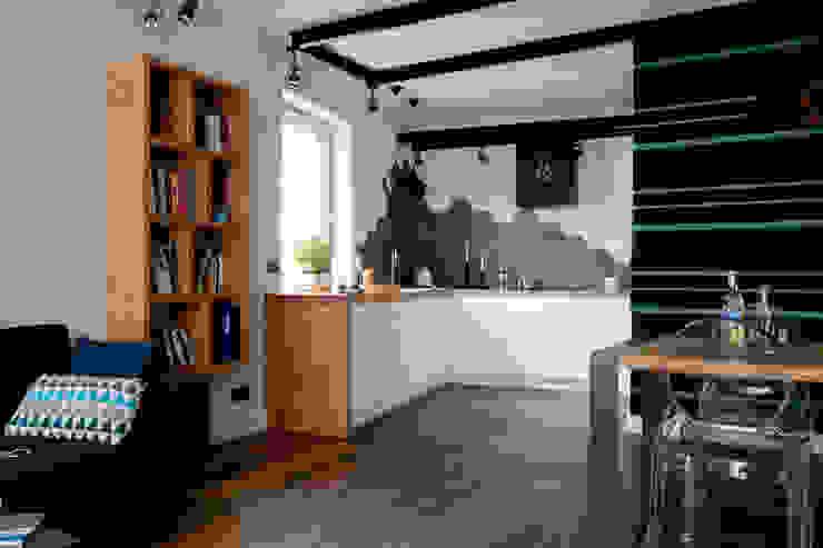 Modern Kitchen by Jacek Tryc-wnętrza Modern