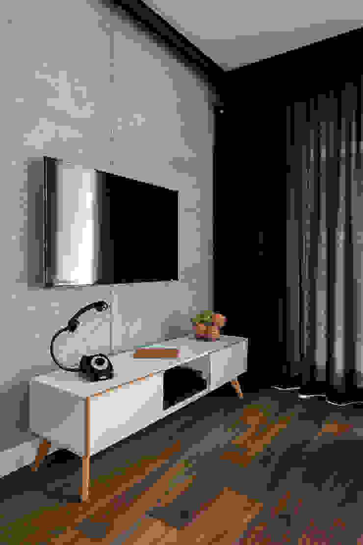 Jacek Tryc-wnętrza Ruang Keluarga Modern