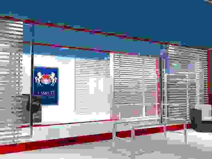 Vista interna 02 Negozi & Locali commerciali in stile industrial di Studio Arch. Matteo Calvi Industrial