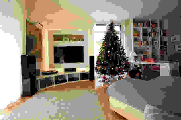 Modern living room by Effegieffe s.n.c. Modern