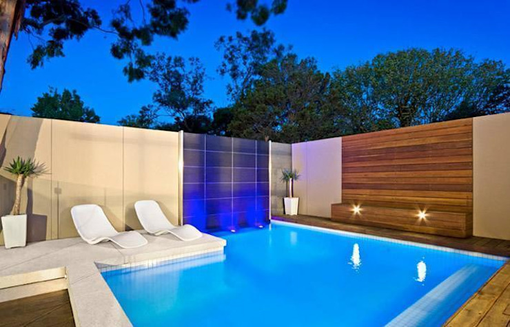 Classic style pool by TADI Taller de arquitectura y diseño Classic