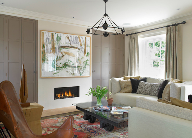 Family room, Manor Farm, Oxfordshire:  Living room by Concept Interior Design & Decoration Ltd, Eclectic