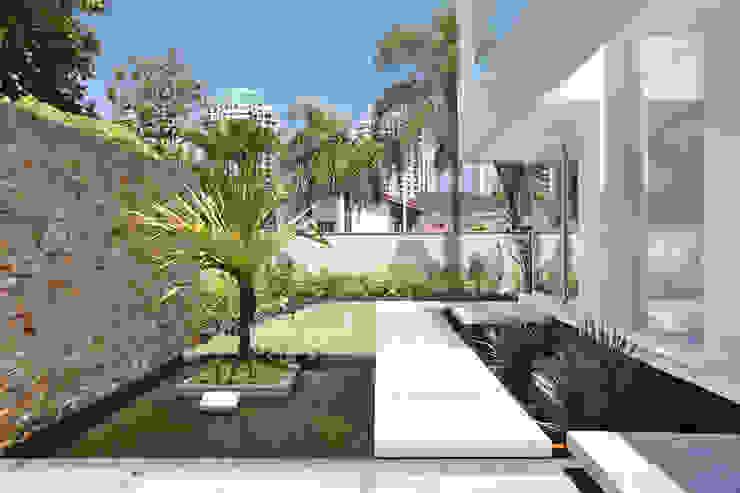 RESIDÊNCIA RP WIMBLEDON Casas modernas por BC Arquitetos Moderno