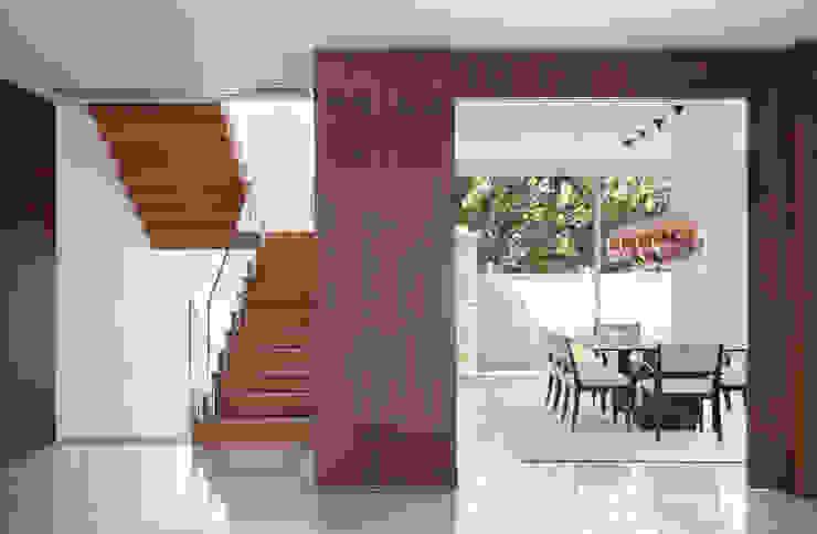 RESIDÊNCIA RP WIMBLEDON Salas de jantar modernas por BC Arquitetos Moderno
