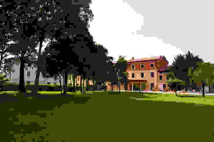 Villa padronale con giardino Casa rurale di Studio Architettura Tre A Rurale