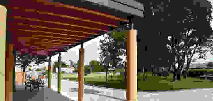 Porticato e giardino dopo il restauro di Studio Architettura Tre A Rurale