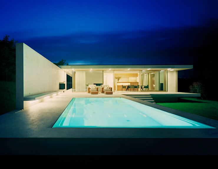 Modern pool by Rossetti+Wyss Architekten Modern