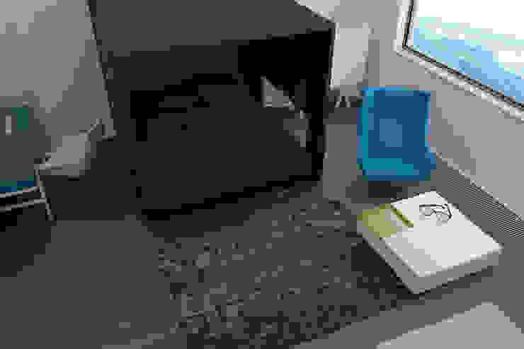 ミニマルスタイルの 寝室 の Nox ミニマル
