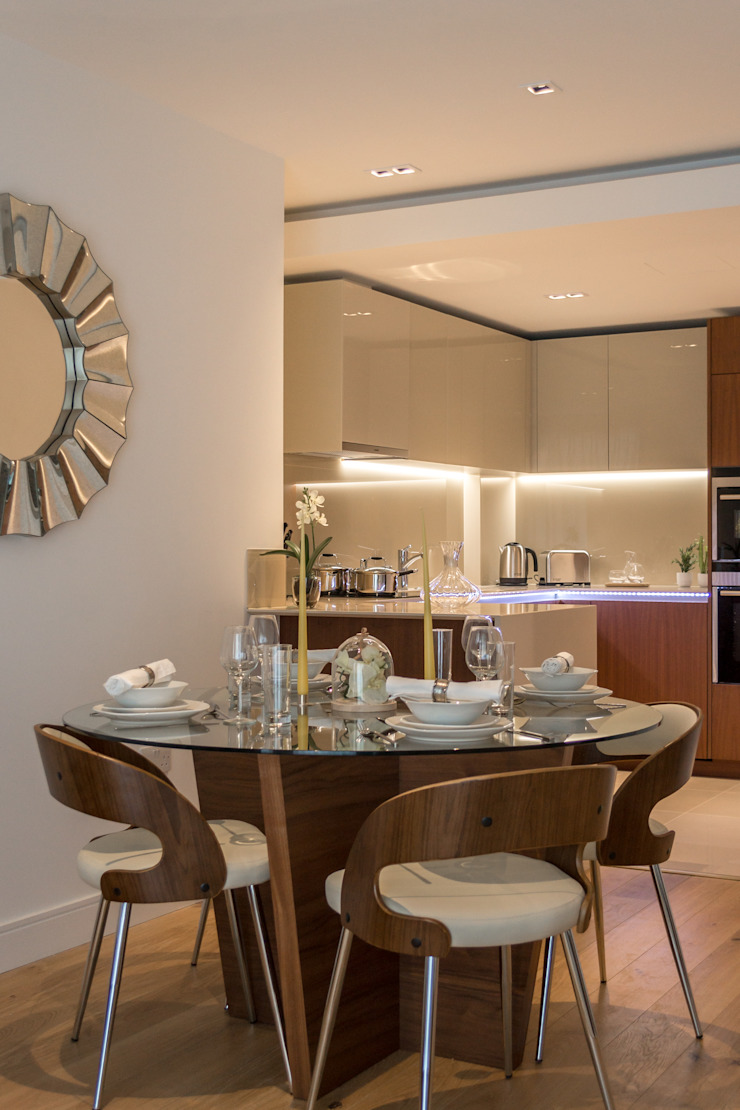 Dining area In:Style Direct Modern dining room