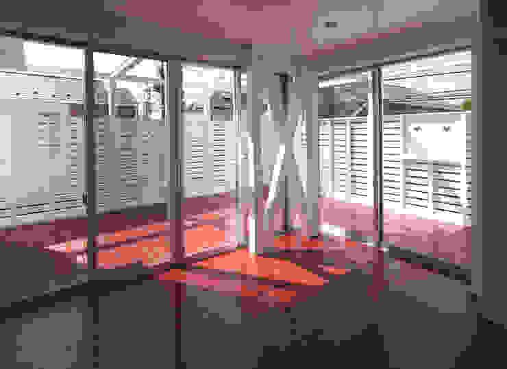 Terrace by ユミラ建築設計室, Modern