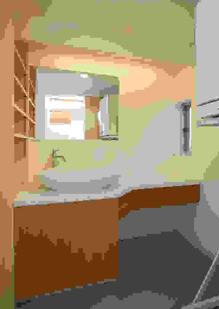 アトリエ24一級建築士事務所 Modern bathroom