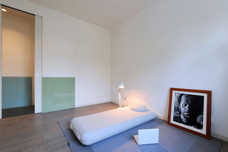 Moderne Schlafzimmer von na3 - studio di architettura Modern Glas