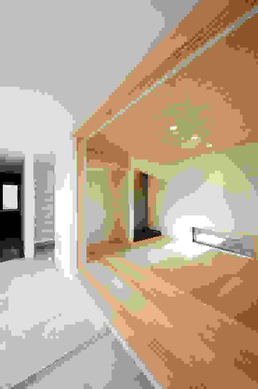 モダンな和室 モダンデザインの 多目的室 の TERAJIMA ARCHITECTS モダン