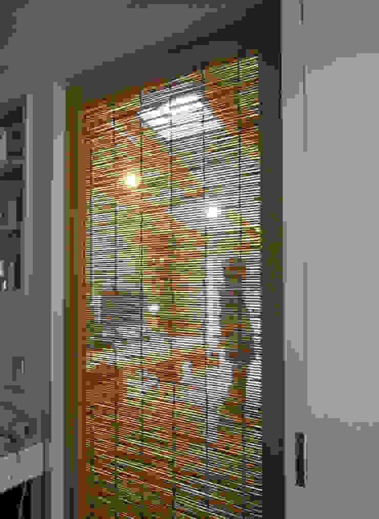 洗面室 モダンスタイルの お風呂 の 奥村幸司建築設計室 モダン