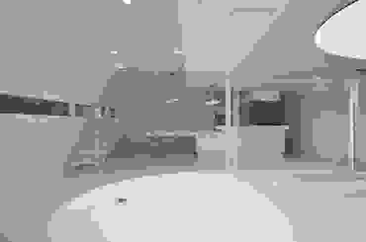湧水町の住宅 モダンデザインの リビング の アトリエ環 建築設計事務所 モダン