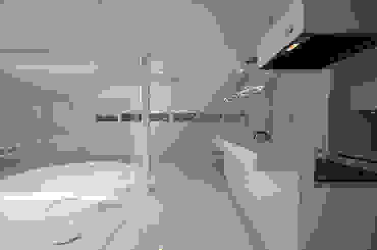 湧水町の住宅 モダンな キッチン の アトリエ環 建築設計事務所 モダン
