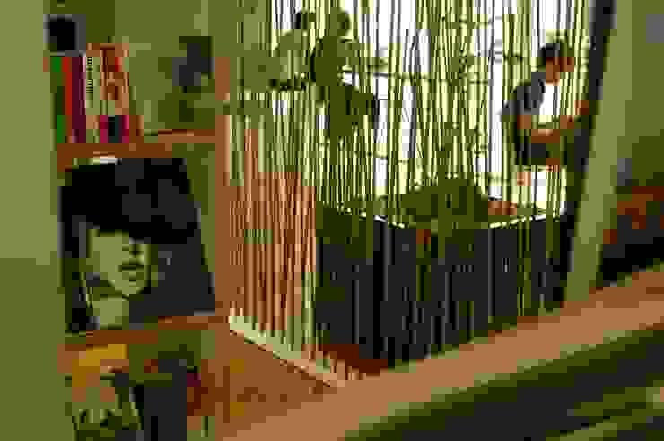 Moderne winkelruimten van 山越健造デザインスタジオ Kenzo Yamakoshi Design Studio Modern