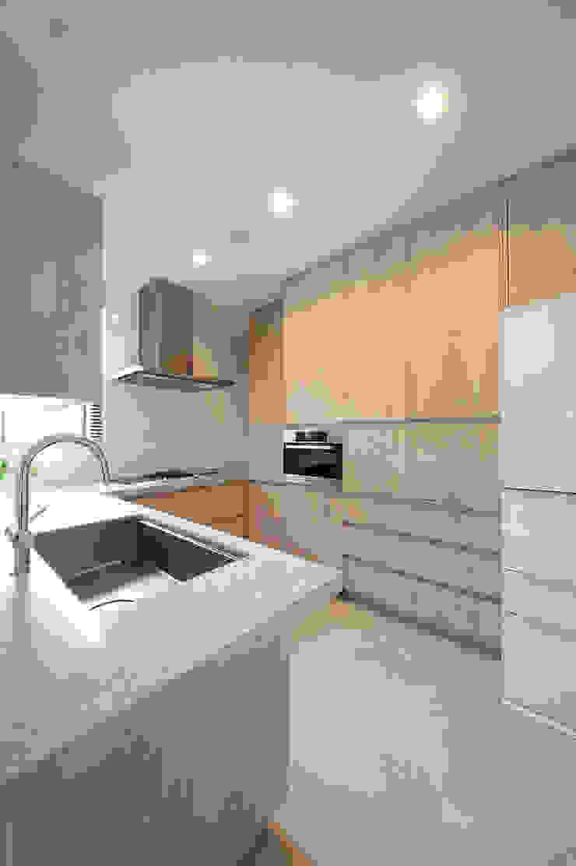 使い勝手にも配慮されたキッチン モダンな キッチン の TERAJIMA ARCHITECTS モダン
