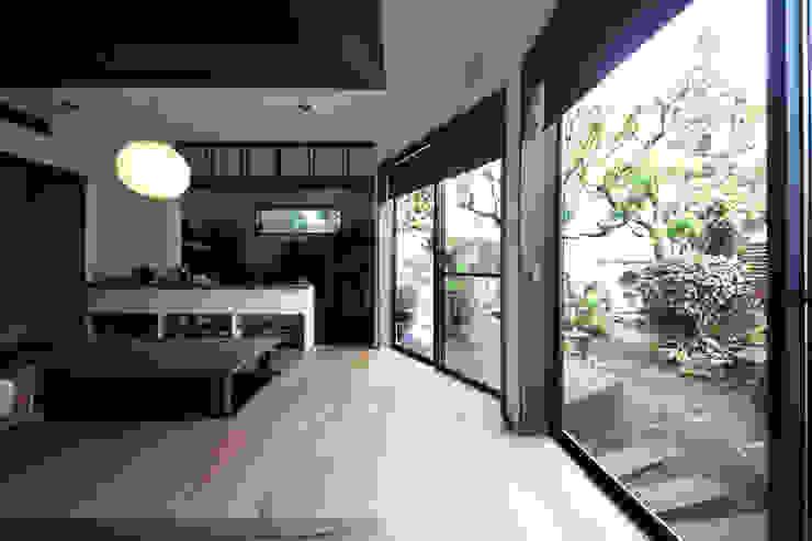 TERAJIMA ARCHITECTS/テラジマアーキテクツ ห้องนั่งเล่น