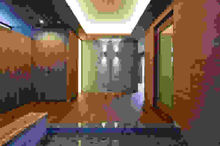 玄関ホール 依田英和建築設計舎 モダンスタイルの 玄関&廊下&階段