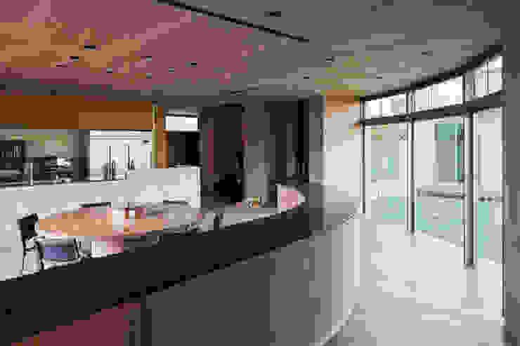 依田英和建築設計舎 Столовая комната в стиле модерн
