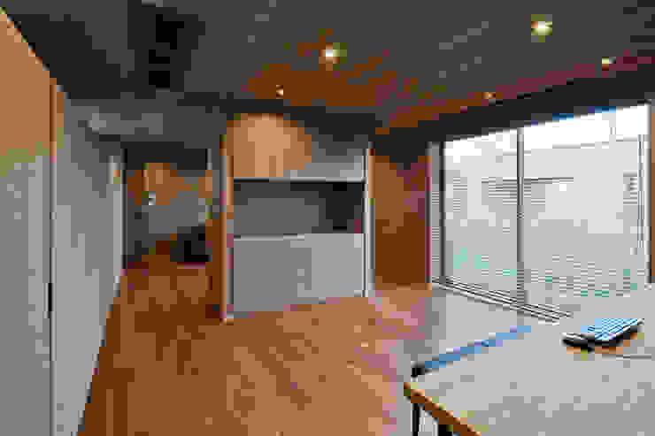 書斎 依田英和建築設計舎 モダンデザインの 書斎