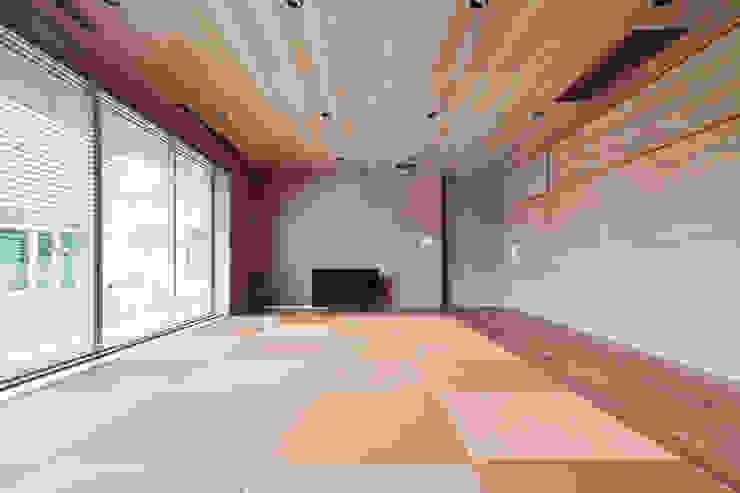 セカンドリビング 依田英和建築設計舎 モダンデザインの リビング
