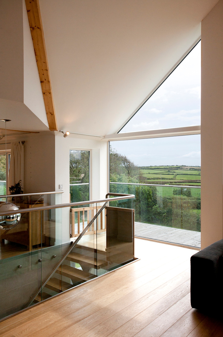 Contemporary Home, Bude, Cornwall Salones modernos de The Bazeley Partnership Moderno