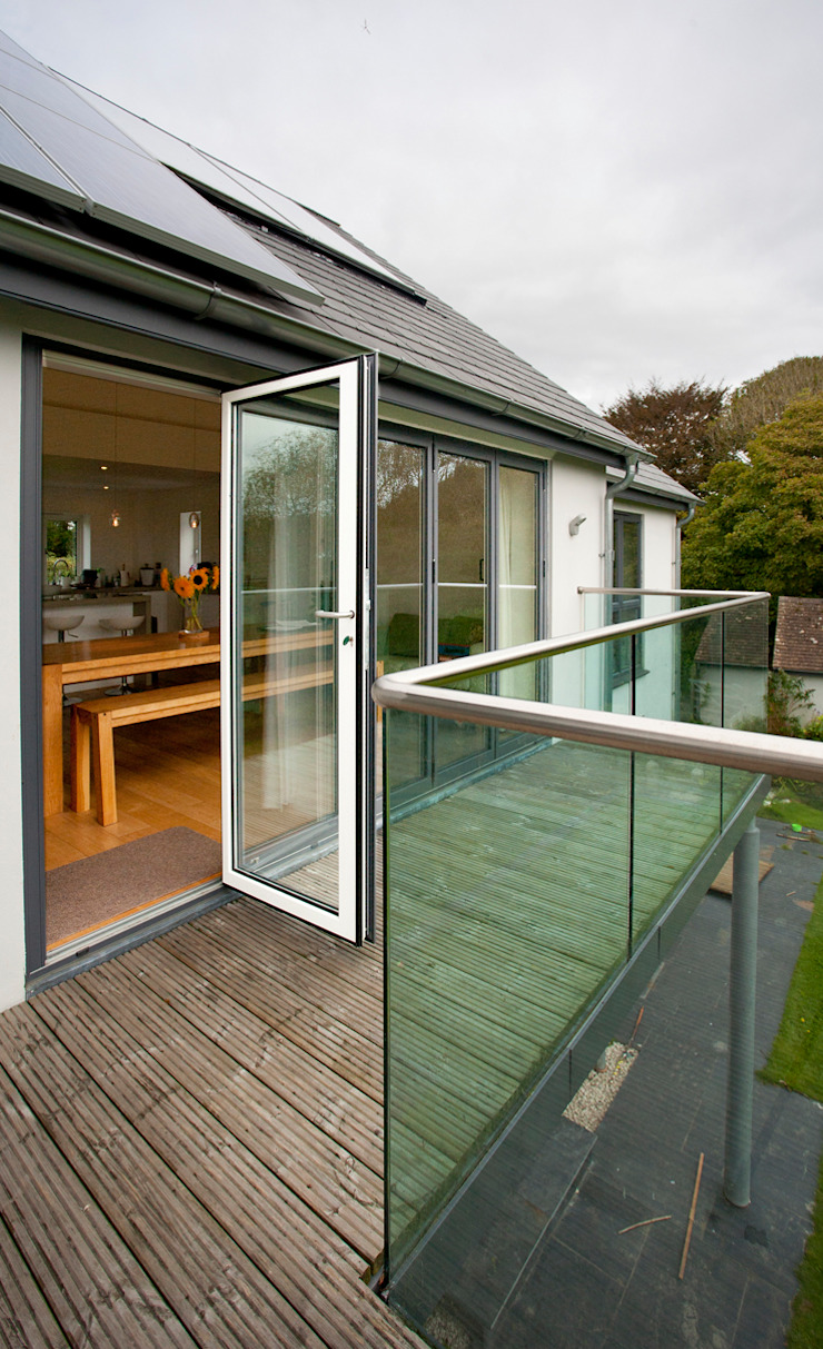 Contemporary Home, Bude, Cornwall Balcones y terrazas modernos de The Bazeley Partnership Moderno