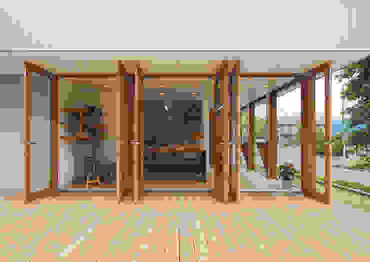 โดย アトリエ24一級建築士事務所 โมเดิร์น