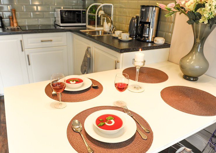 Cocinas de estilo clásico de AgiDesign Clásico
