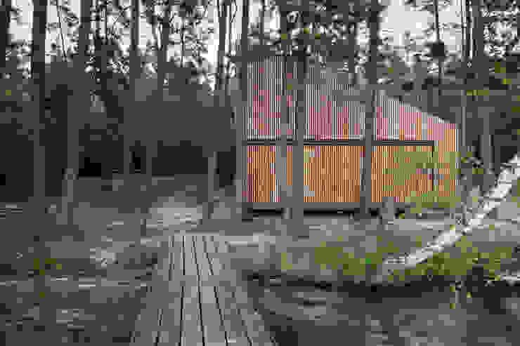 Lake Cabin Modern houses by FAM Architekti Modern