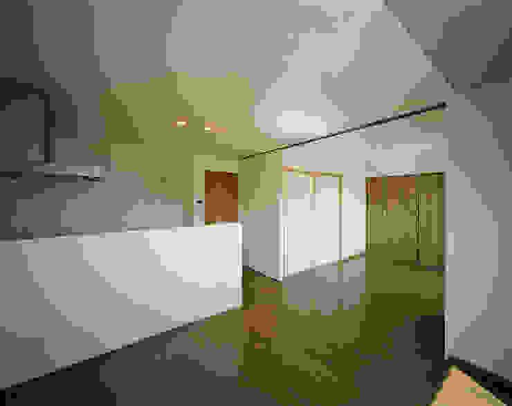 Mマンション モダンデザインの リビング の 中間建築設計工房/NAKAMA ATELIER モダン