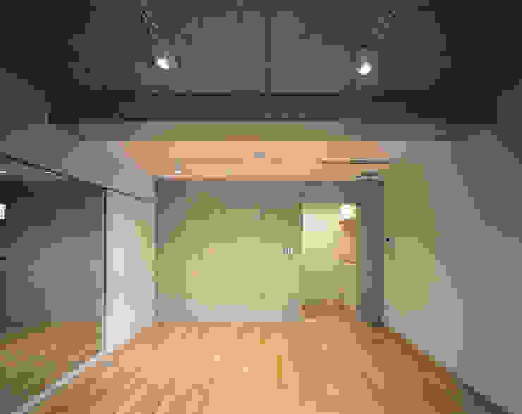Mマンション モダンデザインの 多目的室 の 中間建築設計工房/NAKAMA ATELIER モダン
