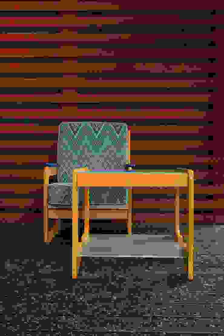 Комплект винтажной мебели в стиле Memphis, 70-80-х гг. (кресло и столик):  в современный. Автор – NICE CATCH , Модерн