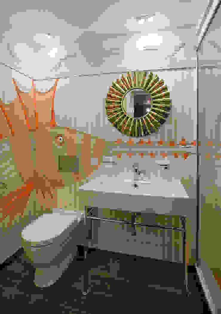 Санузел в тренажерном зале Ванная комната в эклектичном стиле от Abwarten! Эклектичный