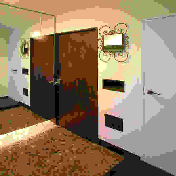 Fenêtres & Portes classiques par ユミラ建築設計室 Classique
