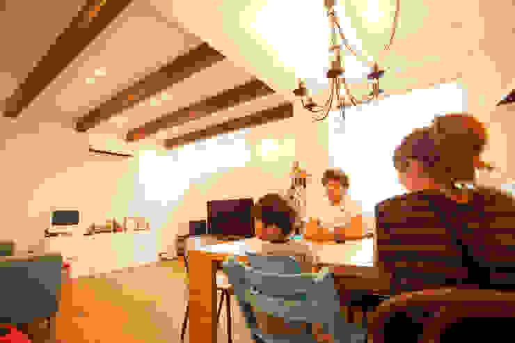 Ruang Keluarga Minimalis Oleh ADS一級建築士事務所 Minimalis