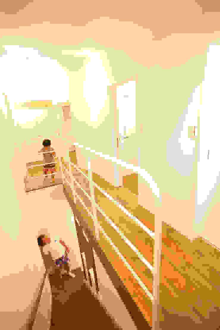 MZ-House ミニマルスタイルの 玄関&廊下&階段 の ADS一級建築士事務所 ミニマル