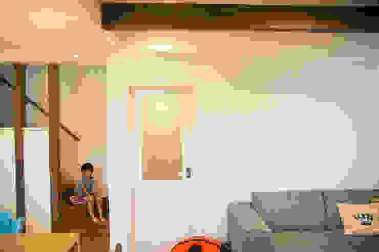 MZ-House ミニマルデザインの リビング の ADS一級建築士事務所 ミニマル