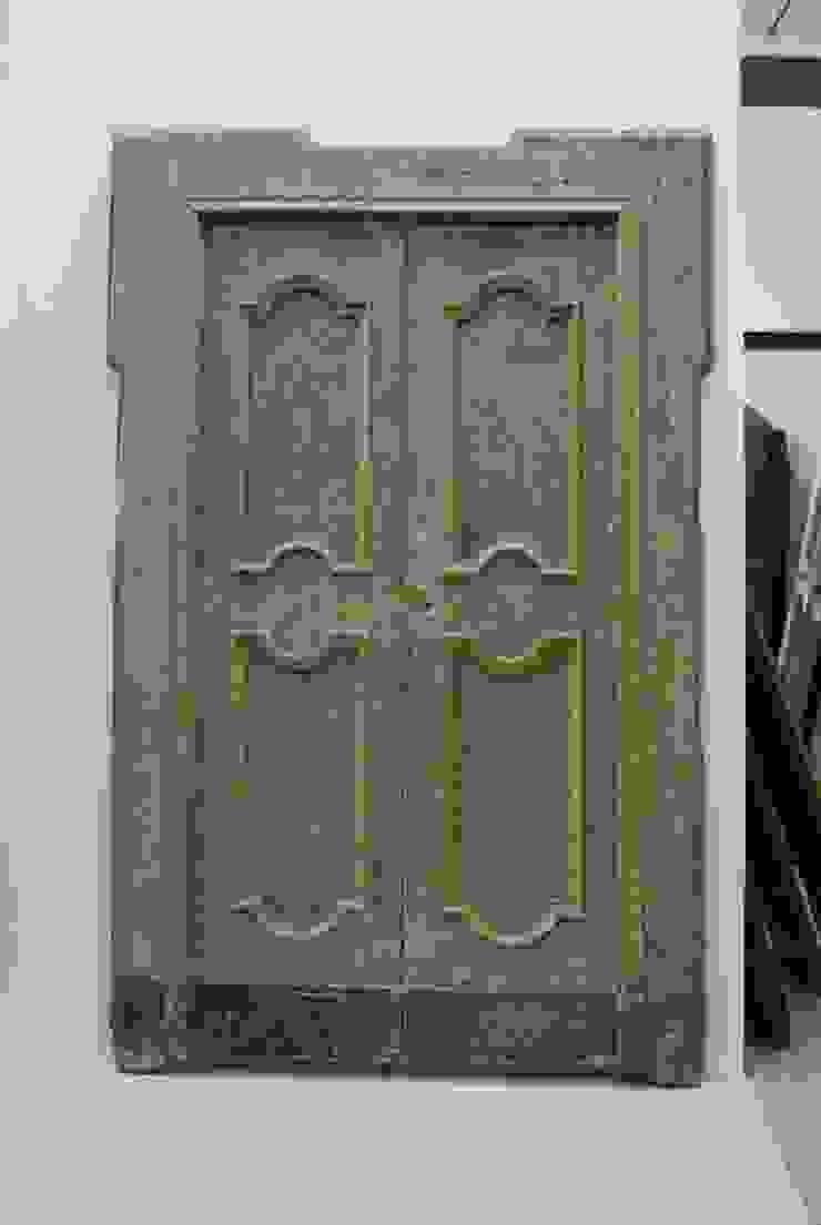 Foto Di Porte Antiche porte antiche originali di porte del passato rustico | homify