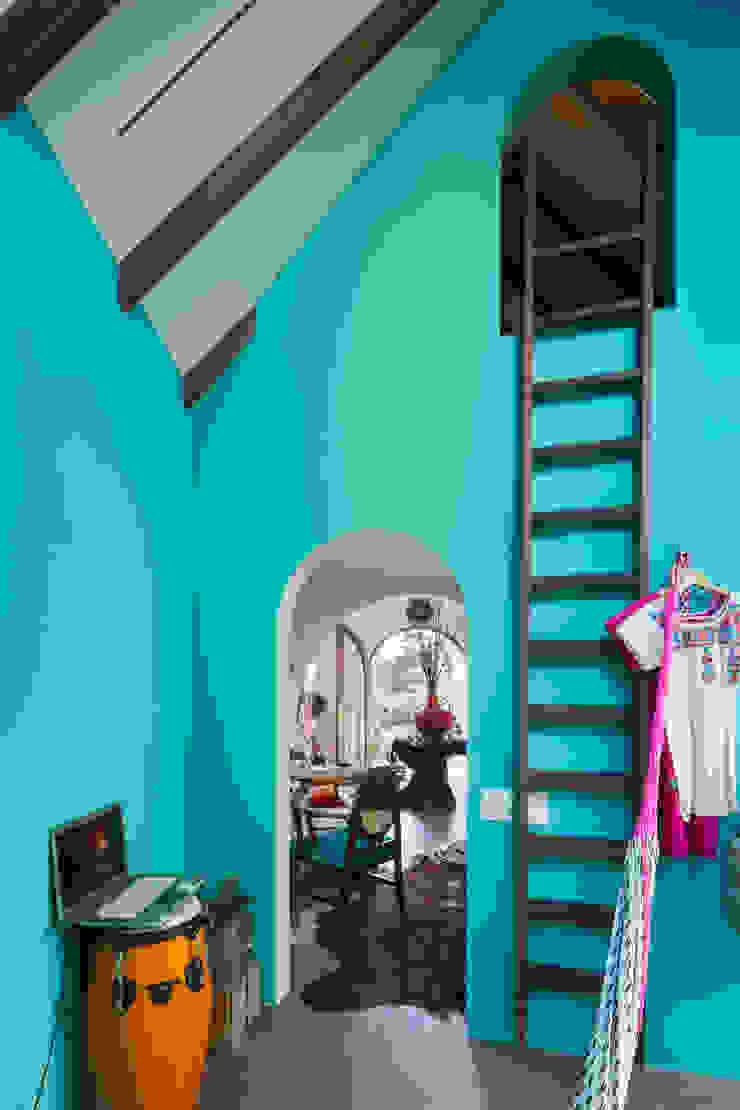 株式会社 藤本高志建築設計事務所 Eclectic style walls & floors Limestone Turquoise