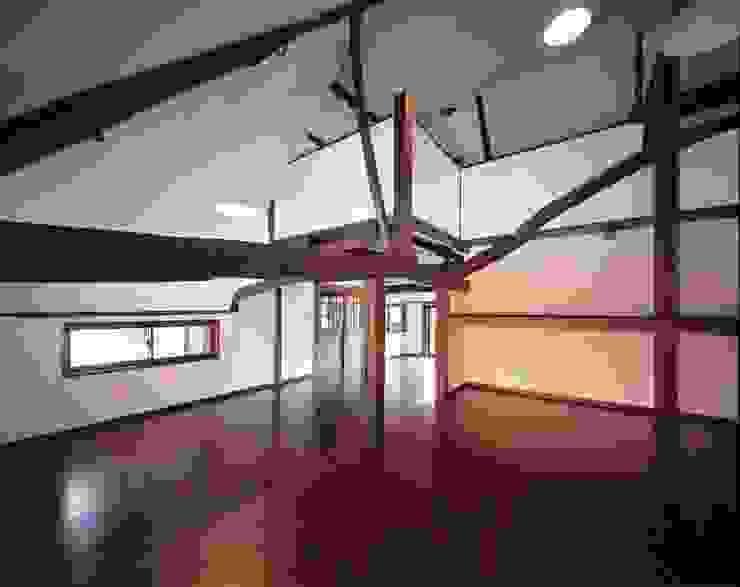 子供室: 有限会社 住まい考房が手掛けたクラシックです。,クラシック