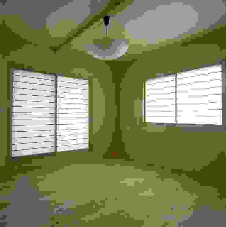 夫婦寝室 クラシカルスタイルの 寝室 の 有限会社 住まい考房 クラシック
